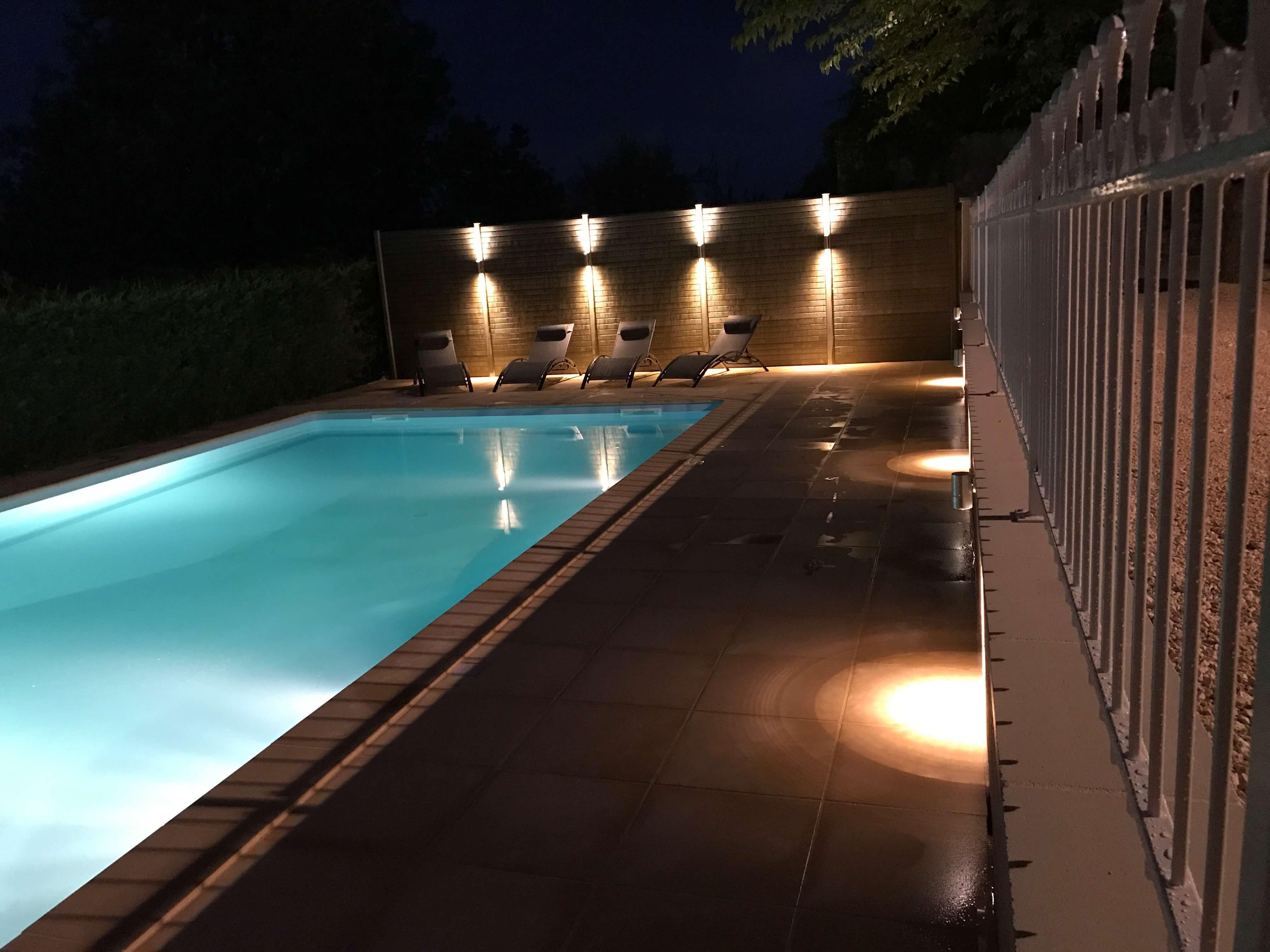 zwembad nachtfoto